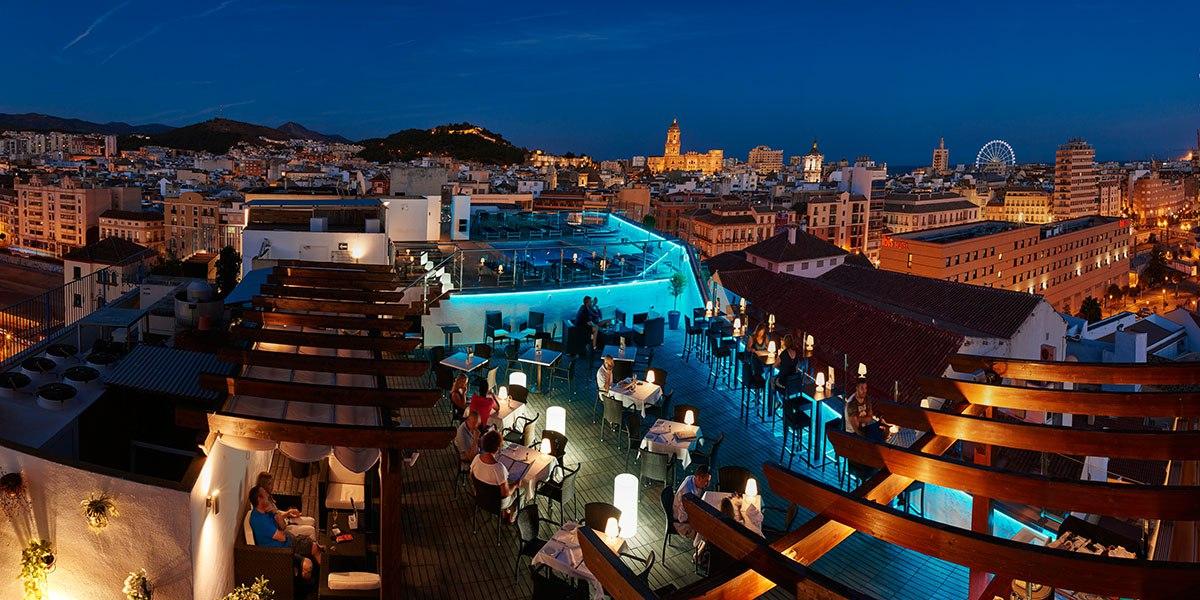 Panoramica noche en Málaga Manquita Noria Terrazas de altura