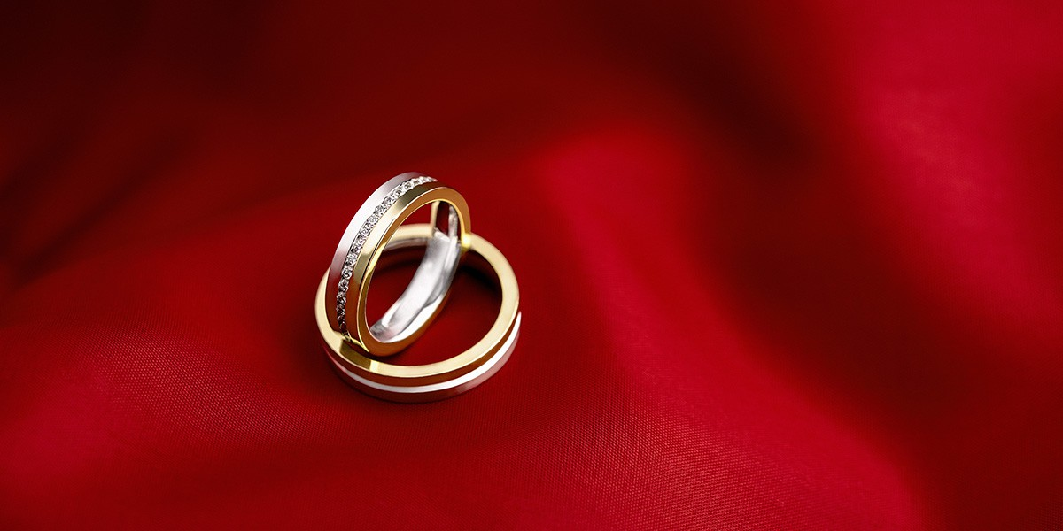 Fotografo de publicidad de joyas alianzaspersonalizadas.com