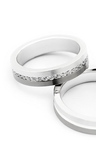 Fotografo profesional experto en ecommerce de producto de joyeria anillos Málaga